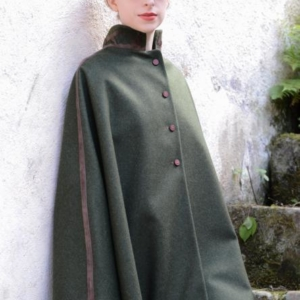 Country Couture Huntress Cape In Green